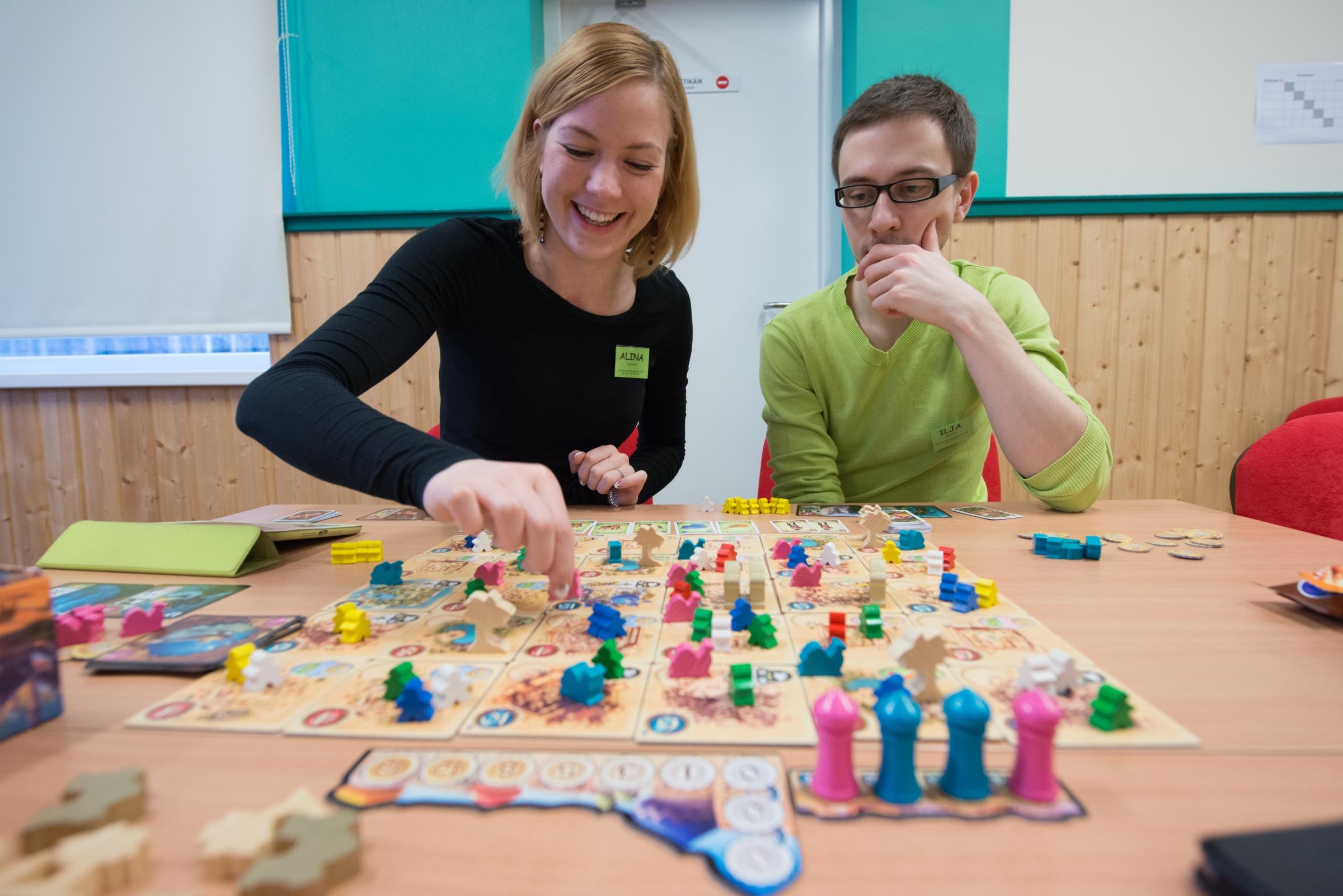 Five Tribes - Илья и Алина изучают